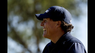 Phil Mickelson maintains 2-shot lead in Desert Classic