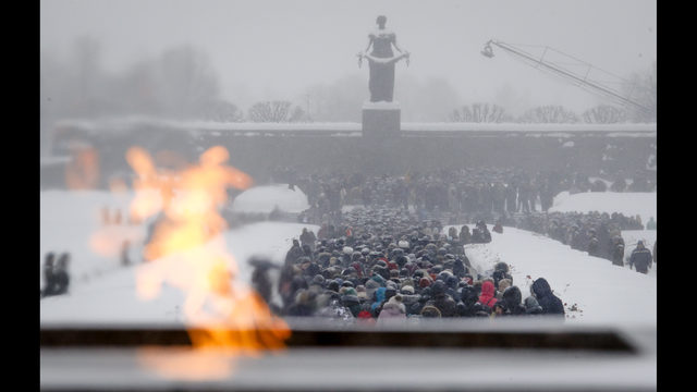 Mosque Killer S Rifles Bore: Russian Parade Marks 75 Years Since WWII Siege Of