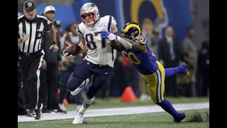 Gronkowski makes 2 key catches in what could be last game