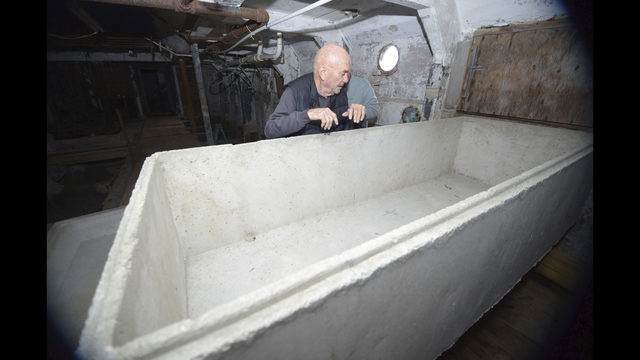 Panhandle man plans his burial in tomb inside old boat | WJAX-TV