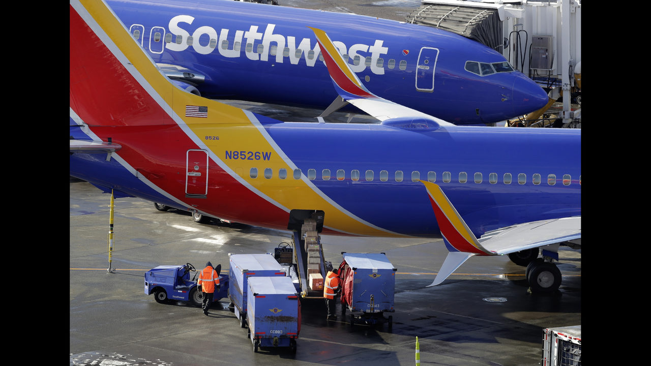 FAA probes Southwest calculations of baggage weight on jets   FOX13 036b464bfe