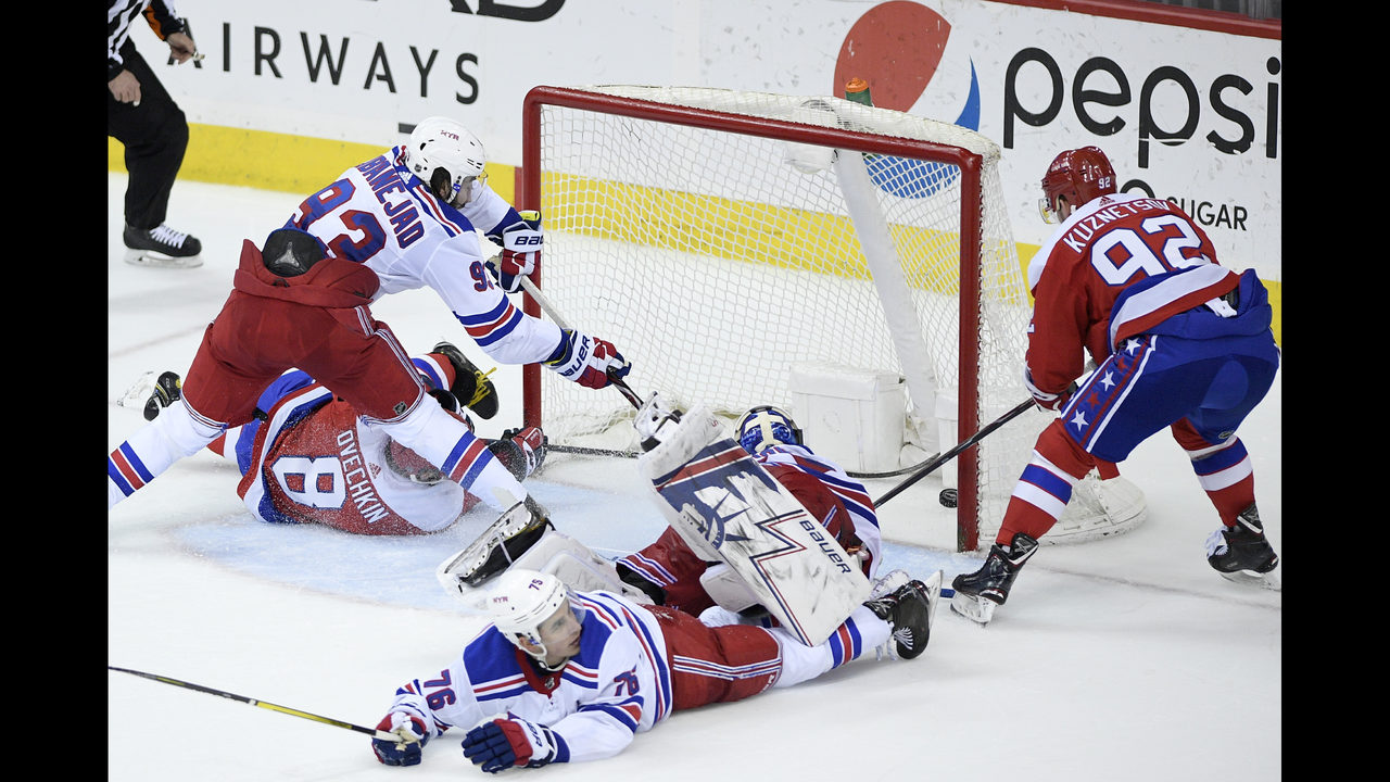 c0b46b81843 Kuznetsov s overtime winner lifts Caps over Rangers