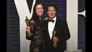 Oscar winners and losers party with champagne and statuettes | WSB-TV