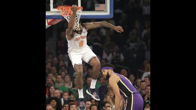 e62a9eaf4 Knicks block LeBron at the finish