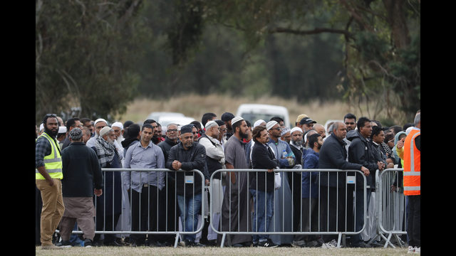 New Zealand Mosque Shooting Photo: New Zealand Observes Muslim Prayer After Mosque Attacks