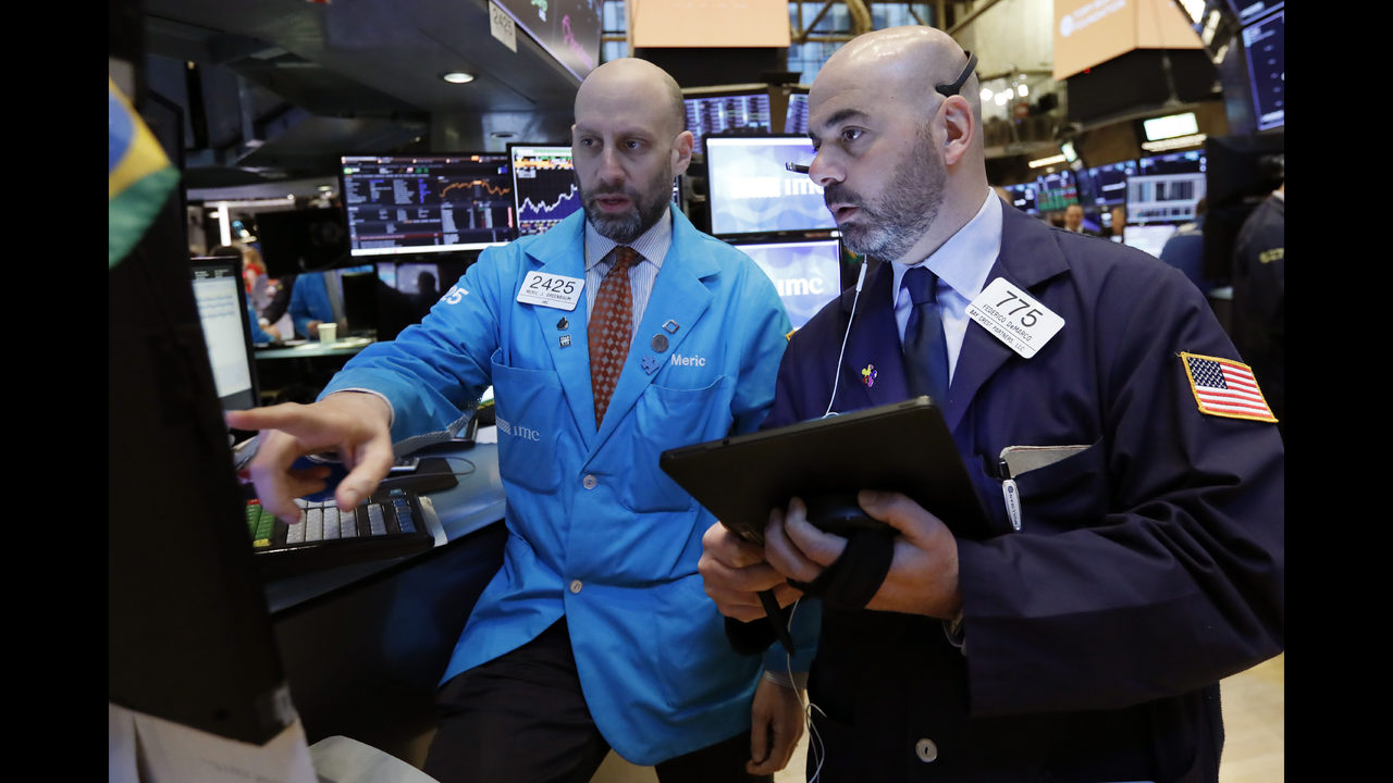 Stocks move broadly higher, led by banks and tech companies