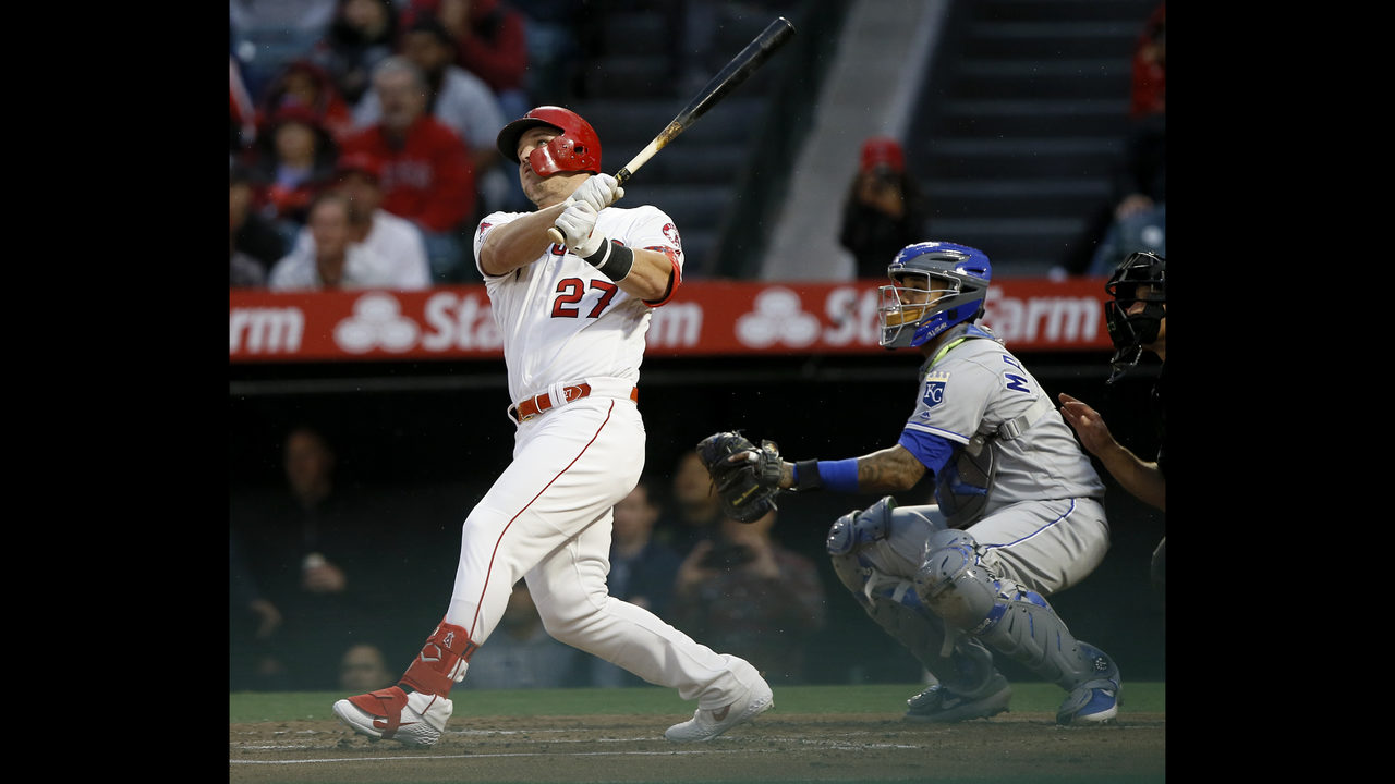3274e8c075a Trout hits milestone homer to lead Angels over Royals 6-3