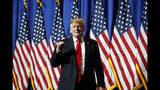El presidente Donald Trump antes de un discurso en la Reunión Legislativa y Exposición Comercial de la Asociación Nacional de Corredores de Bienes Raíces, el viernes 17 de mayo de 2019 en Washington. (AP Foto/Alex Brandon)