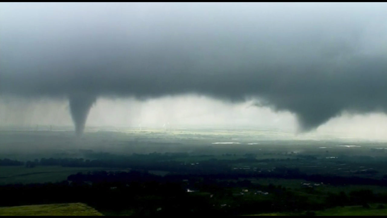 The Latest: Confirmed tornado spotted near Tulsa airport | FOX23