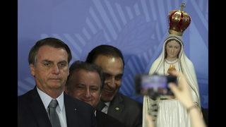Amid early struggles, Bolsonaro