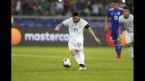 Lionel Messi, de la selección de Argentina, convierte un penalti ante Paraguay durante el partido del Grupo B de la Copa América, realizado el miércoles 19 de junio de 2019 en Belo Horizonte, Brasil (AP Foto/Natacha Pisarenko)