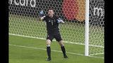 El arquero argentino Franco Armani tras una ataja en el partido contra Paraguay por el Grupo B de la Copa América en Belo Horizonte, Brasil, el miércoles 19 de junio de 2019. (AP Foto/Ricardo Mazalán)