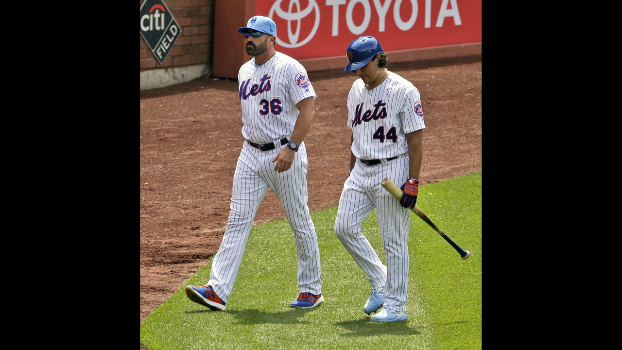 LEADING OFF: Mets deal with reporter dust-up, LA rooks rock