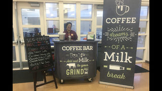 To boost milk, dairy groups support high school coffee bars