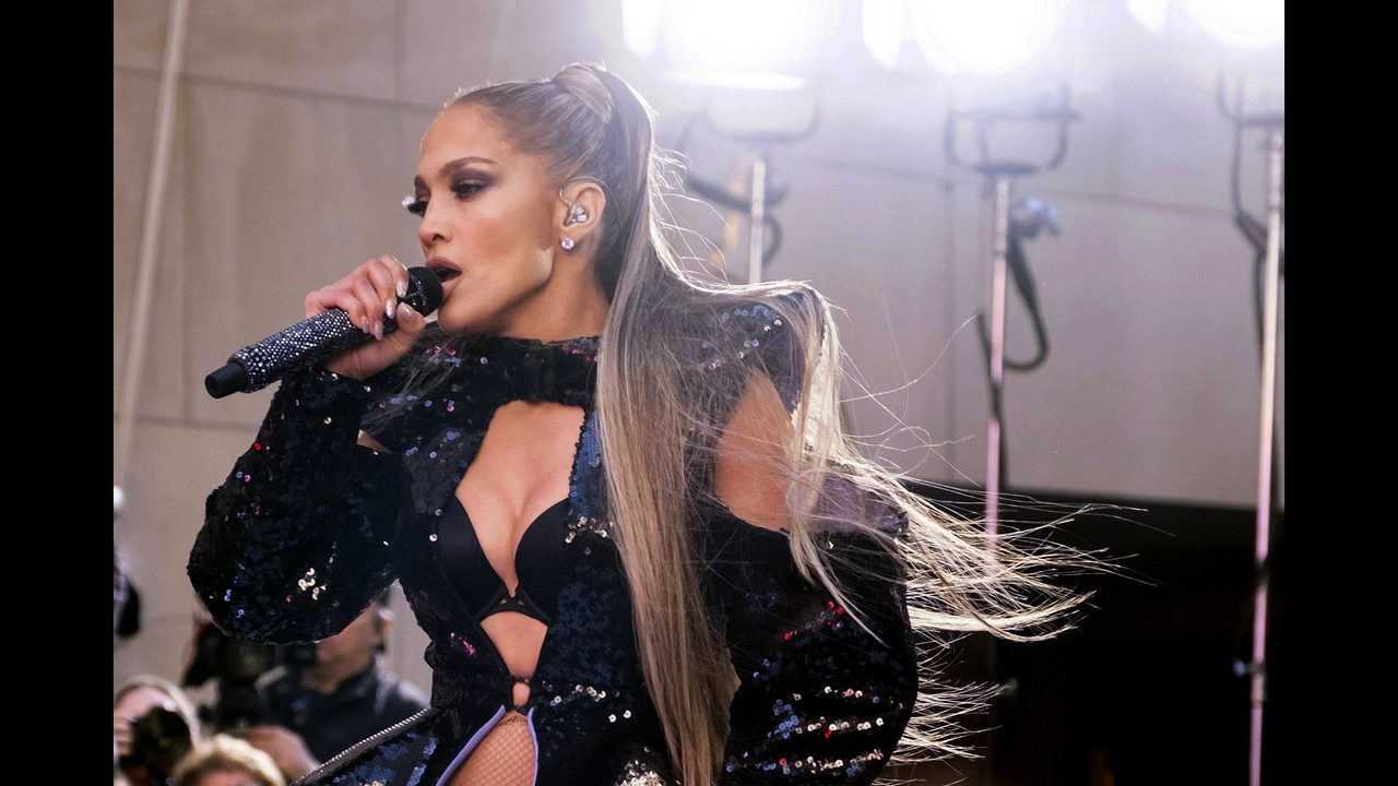 Jennifer Lopez makes up concert interrupted by power outage | FOX23