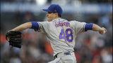 El lanzador de los Mets de Nueva York Jacob deGrom lanza en el primer inning del juego de la MLB que enfrentó a su equipo con los Gigantes de San Francisco, el 19 de julio de 2019, en San Francisco. (AP Foto/Ben Margot)