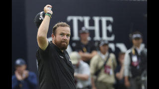 Lowry has 4-shot lead, embracing the moment at British Open