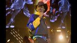 """ARCHIVO - En esta fotografía de archivo del 1 de junio de 2019 Lil Nas X durante su presentación en el HOT 97 Summer Jam 2019 en East Rutherford, Nueva Jersey. Lil Nas X empató el récord de Mariah Carey con """"One Sweet Day"""" y """"Despacito"""" de Luis Fonsi en Billboard con """"Old Town Road"""". La canción ha estado en la cima de las listas de Billboard por 16 semanas. Ninguna canción ha logrado superar esa barrera en la historia de las listas. (Foto Scott Roth/Invision/AP, archivo)"""