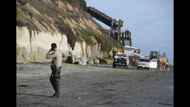 Collapsing California cliff claims 3 lives | WSB-TV