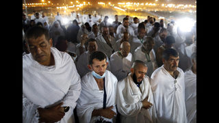 Muslim hajj pilgrims ascend Mount Arafat for day of worship   FOX13