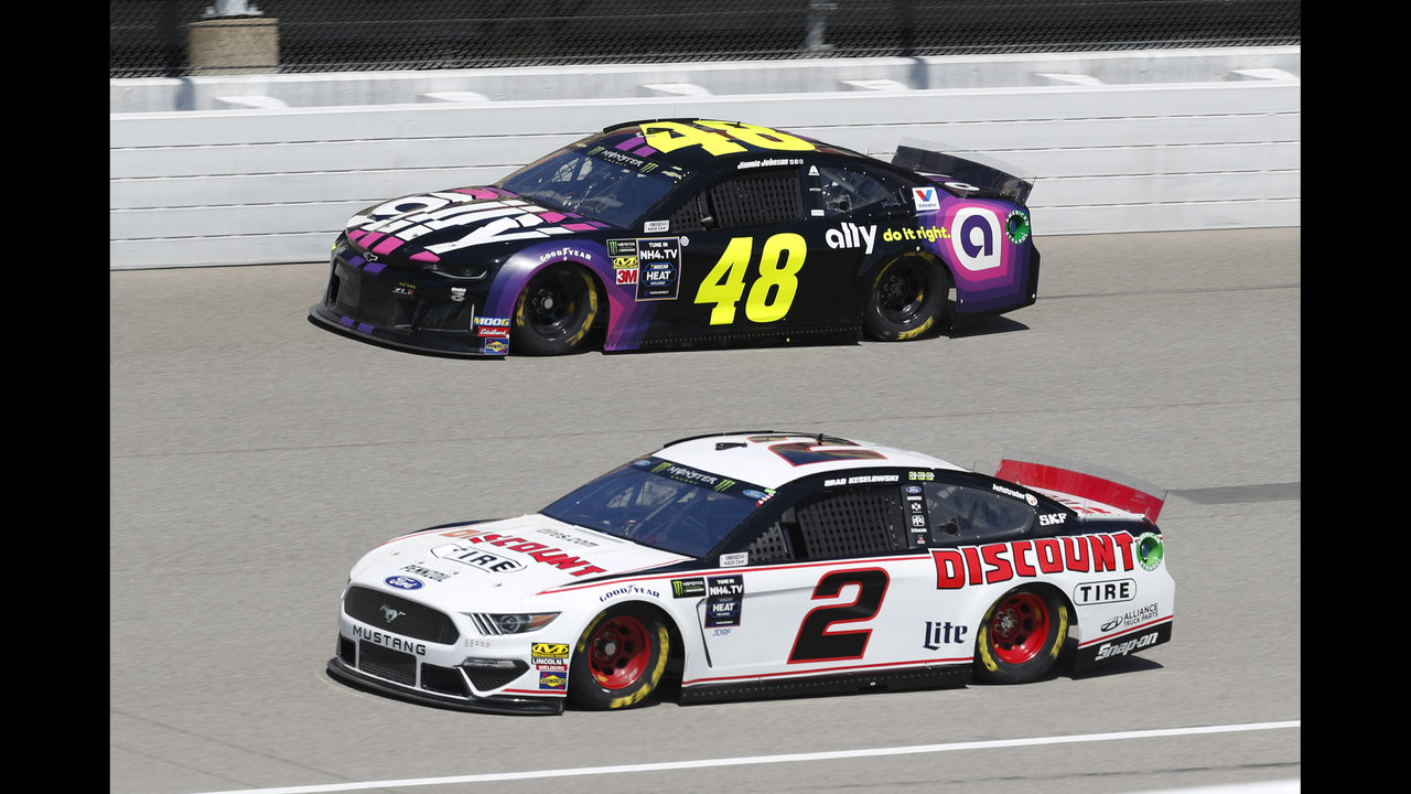 The Latest: NASCAR Cup Series race begins with a clean start