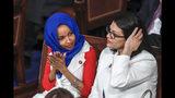 Las congresistas demócratas Ilhan Omar (izq) y Rashida Tlaib (der) en el Capitolio en Washington el 5 de febrero del 2019. (AP Photo/J. Scott Applewhite, File)