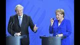 La canciller de Alemania, Angela Merkel, y el primer ministro de Gran Bretaña, Boris Johnson, ofrecen una conferencia de prensa conjunta tras una reunión, en Berlín, el 21 de agosto de 2019. (Bernd Von Jutrczenka/dpa via AP)