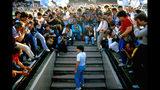 """Esta imagen proveída por HBO muestra una escena del documental """"Diego Maradona""""."""