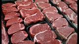 ARCHIVO - Esta foto de archivo del 18 de enero del 2010 muestra bistecs a la venta en una tienda en McLean, Virginia, el 30 de septiembre del 2019. (AP Foto/J. Scott Applewhite, Archivo)