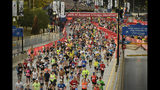 Runners start the Bank of America Chicago on Marathon Sunday, Oct. 13, 2019, in Chicago. (AP Photo/Paul Beaty)