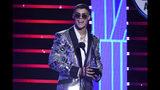 Lunay recibe el Latin American Music Award al nuevo artista del año el jueves 17 de octubre del 2019 en el Teatro Dolby en Los Angeles. (Foto por Chris Pizzello/Invision/AP)