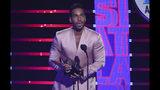 Romeo Santo recibe el Latin American Music Award al artista favorito tropical el jueves 17 de octubre del 2019 en el Teatro Dolby en Los Angeles. (Foto por Chris Pizzello/Invision/AP)