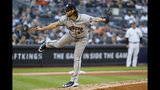El abridor Gerrit Cole de los Astros de Houston lanza ante los Yanquis de Nueva York en el tercer juego de la serie de campeonato de la Liga Americana, el martes 15 de octubre de 2019. (AP Foto/Matt Slocum)