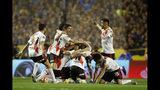 Los jugadores de River Plate festejan el haber avanzado a la final de la Copa Libertadores, pese a caer 1-0 ante Boca Juniors en el partido de vuelta, el martes 22 de octubre de 2019, en Buenos Aires (AP Foto/Natacha Pisarenko)