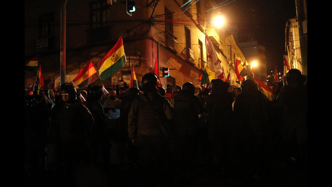 https://cmgfeeds.cmgdigital.com/photo/2019/11/09/BOLIVIA-PROTESTAS_32208_16773236_ver1.0_1280_720.jpg